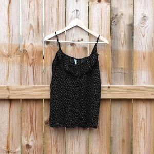 Flower Pattern Tank with Buttons and Ruffles